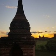 "Coucher de soleil sur Bagan • <a style=""font-size:0.8em;"" href=""http://www.flickr.com/photos/22252278@N05/31777965323/"" target=""_blank"">View on Flickr</a>"