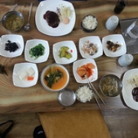 """Un des meilleurs repas coréen • <a style=""""font-size:0.8em;"""" href=""""http://www.flickr.com/photos/22252278@N05/21850567493/"""" target=""""_blank"""">View on Flickr</a>"""