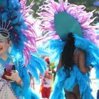 "Carnaval de Notting Hill 2017 • <a style=""font-size:0.8em;"" href=""http://www.flickr.com/photos/22252278@N05/42741834760/"" target=""_blank"">View on Flickr</a>"