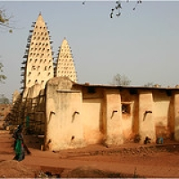 "Bobo Dioulasso • <a style=""font-size:0.8em;"" href=""http://www.flickr.com/photos/22252278@N05/35879523903/"" target=""_blank"">View on Flickr</a>"
