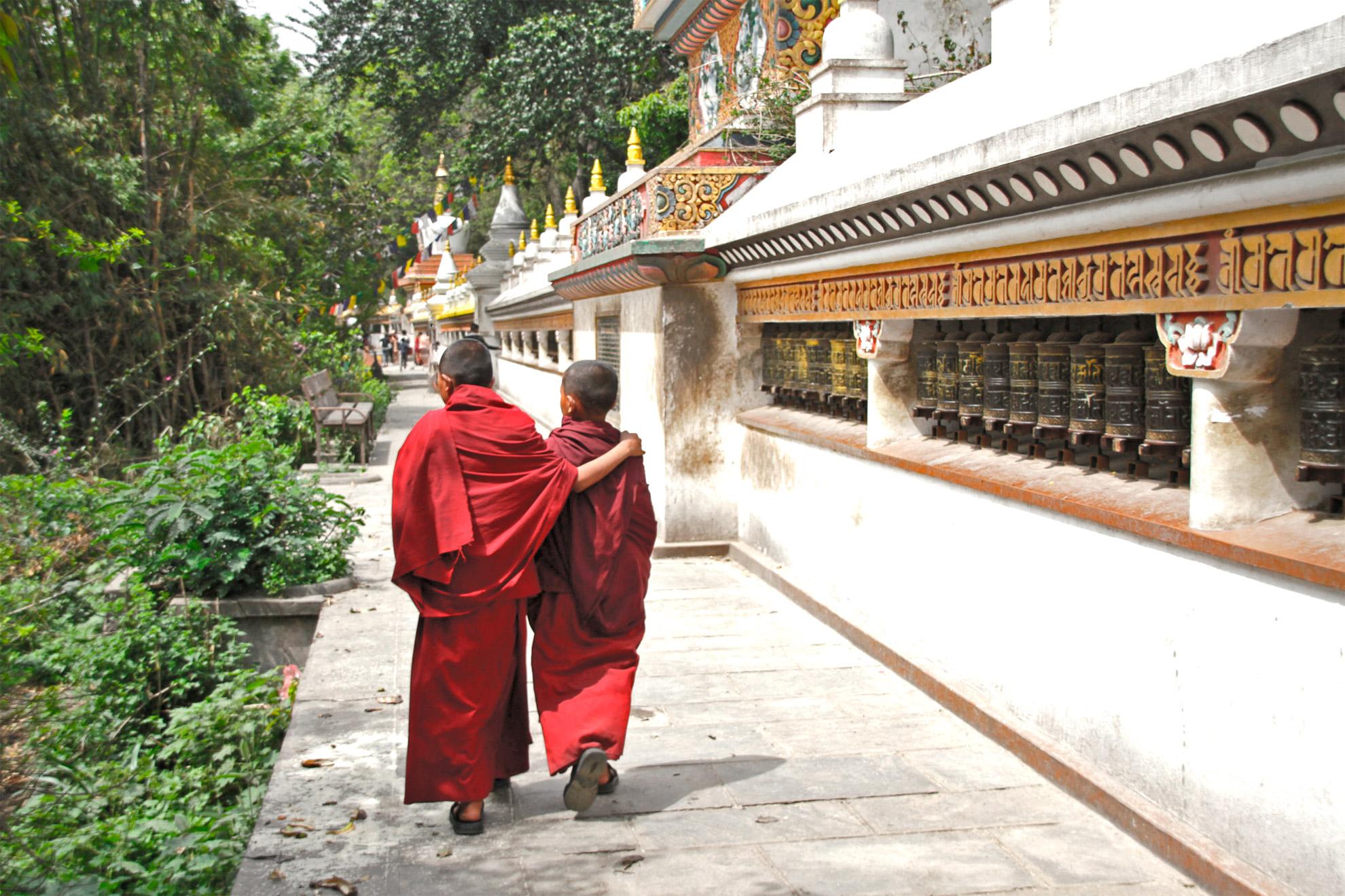 Les petits moines de Swayambudnath à Katmandou
